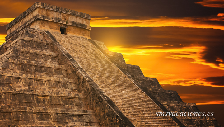 Riviera Maya - Pirámide Kukulkan en Chichen Itza
