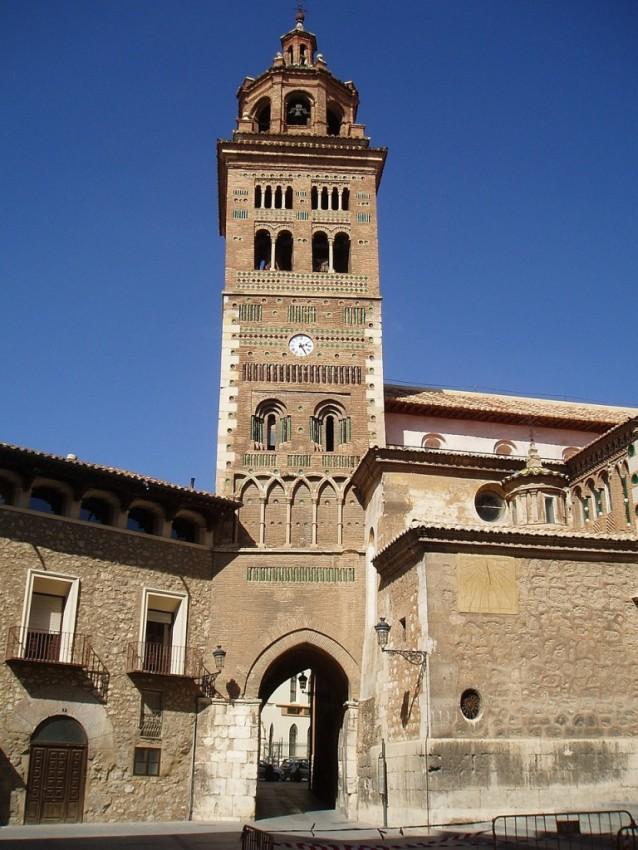 Teruel-Torre-del-reloj-sms-vacaciones