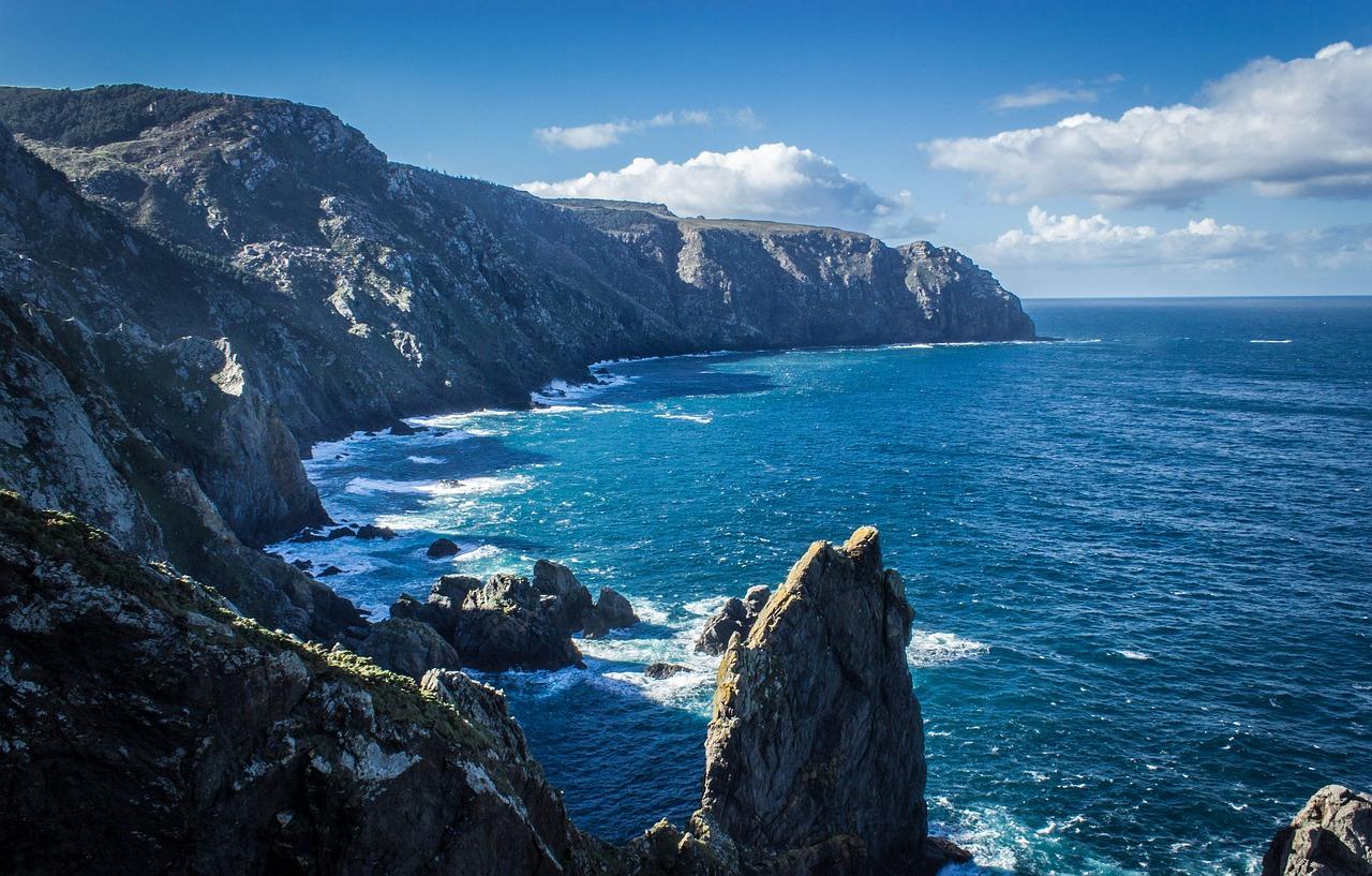 cliff-435781_1280