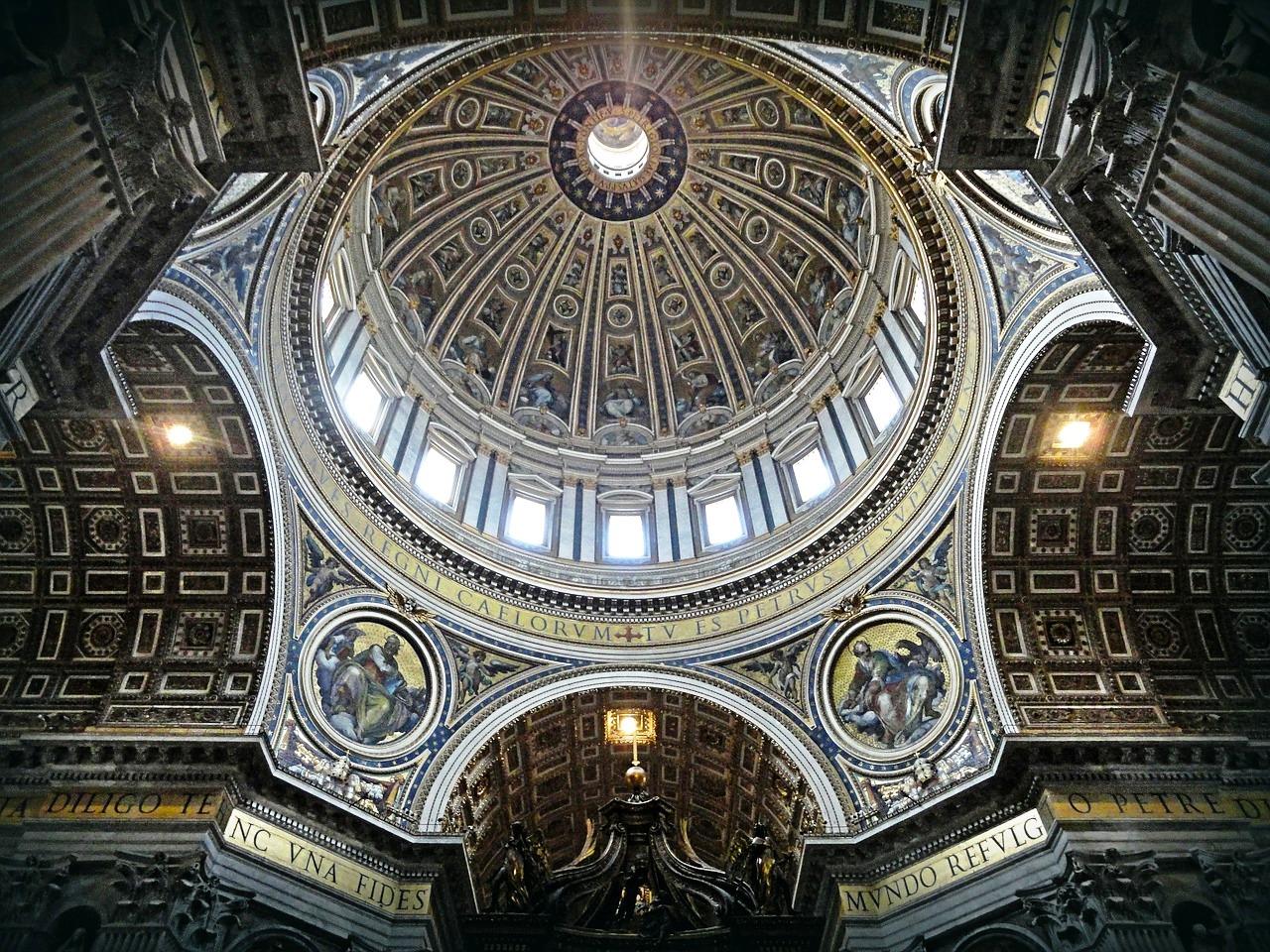 Interior cúpula San Pedro