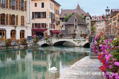 Rio Thiou en Annecy Francia