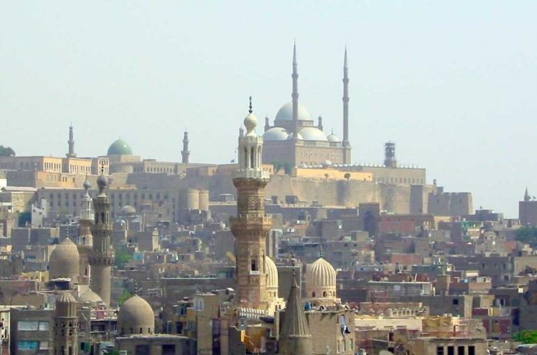 Circuito Ruta de la Sagrada Familia con crucero por el Nilo 12 días.