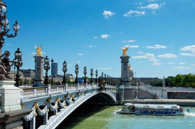 Circuito Provenza, Borgoña con París y Madrid de 11 días.