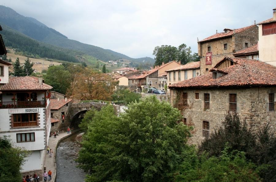 Puente de Mayo, Lo mejor de Cantabria en autobús (II)