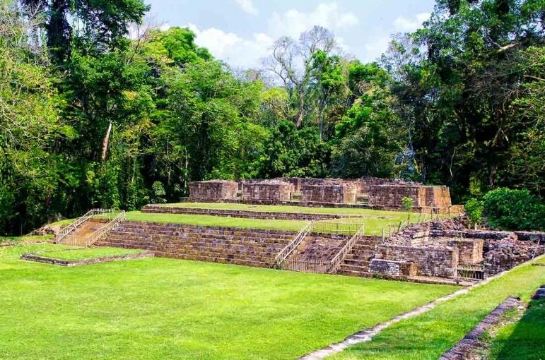 Circuito Mayas y Aztecas